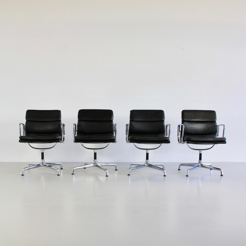 Set of 4 Charles and Ray EAMES Soft Pad Chairs