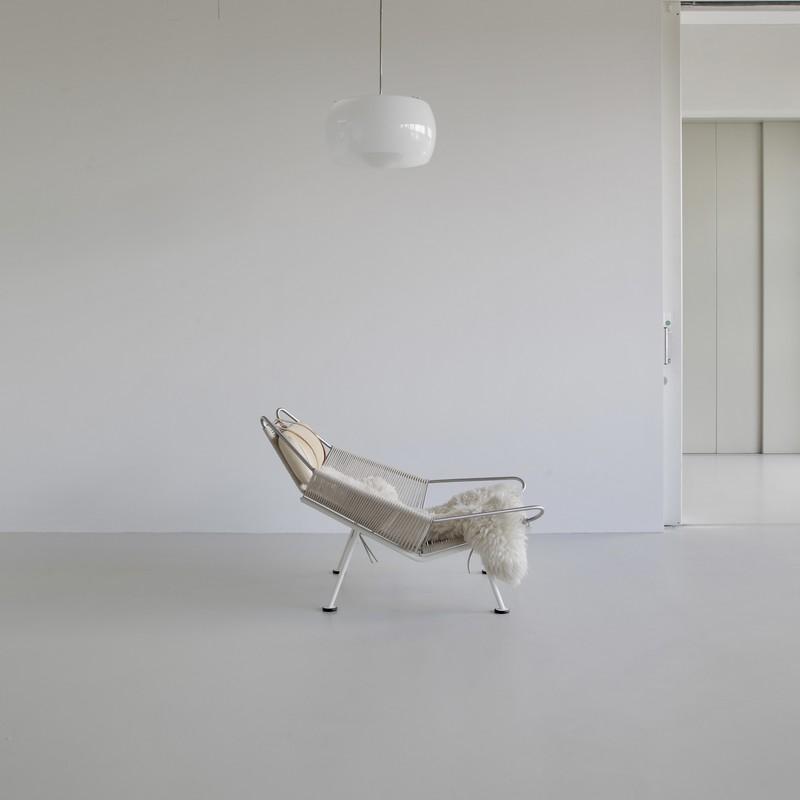 FLAG Halyard Louge Chair by Hans J. WEGNER, PP225