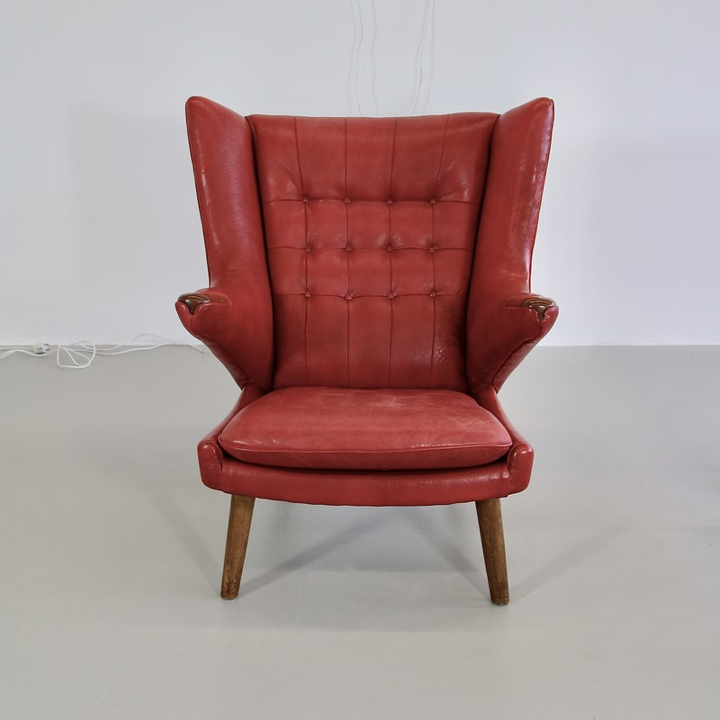 papa-bear-chair-hans-j-wegner-red-leather-footstool-space-and-chrome-vintage-frontal-view