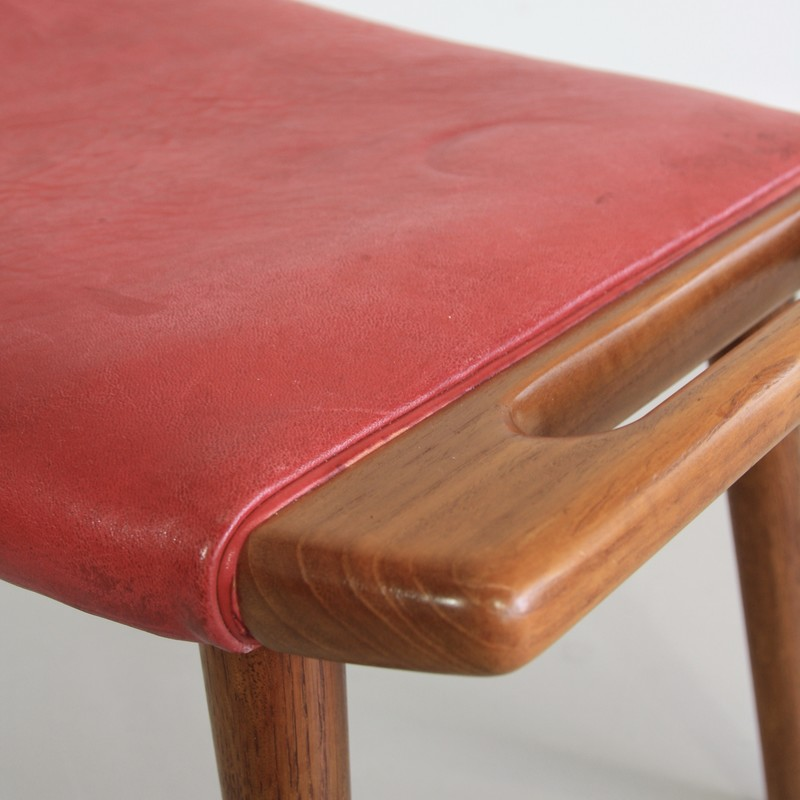 papa-bear-chair-hans-j-wegner-red-leather-footstool-space-and-chrome-vintage-detail-