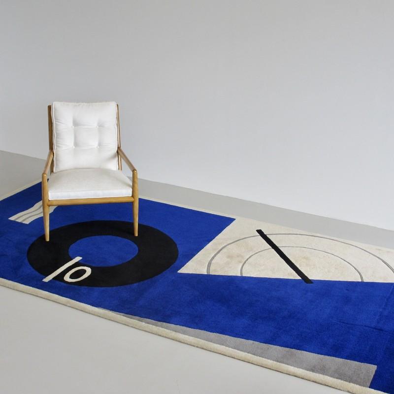 Large Eileen GREY designed Carpet