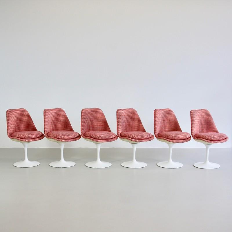 Set of Six Chairs by Eero SAARINEN, Knoll International