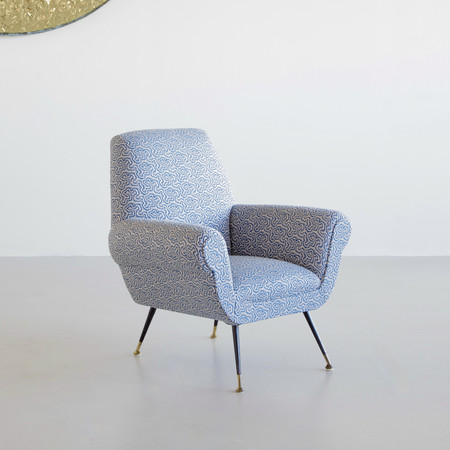 Armchair designed by Gigi RADICE for MINOTTI